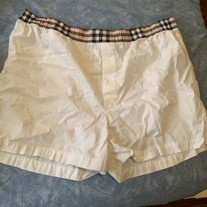 Burberry  like new 100%  authentic best offer